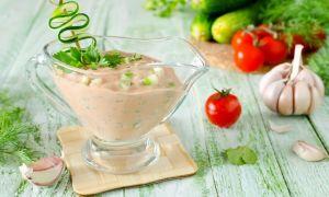 Соус сметанный с чесноком: 10 рецептов