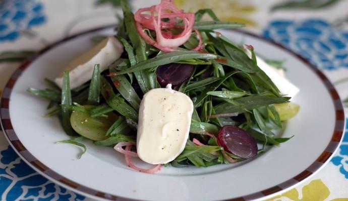 Тархун, сыр, виноград