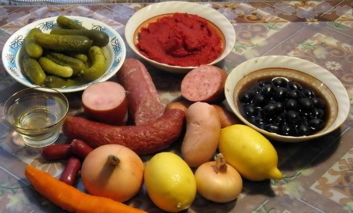Из каких ингредиентов должна состоять приправа для солянки