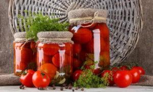 Маринованные помидоры с кориандром