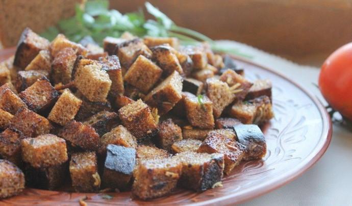 Вкуснейшие домашние сухарики в духовке со специями