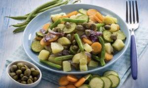 Диетический салат с каперсами